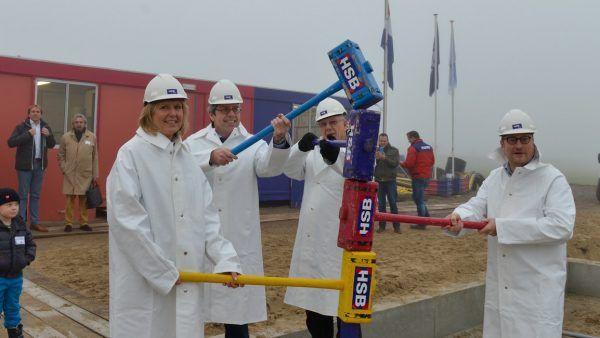 Start bouw Zwanenpad, Watergang