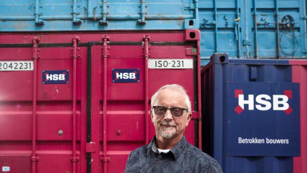 Betrokken bouwer na 50 jaar HSB met pensioen.
