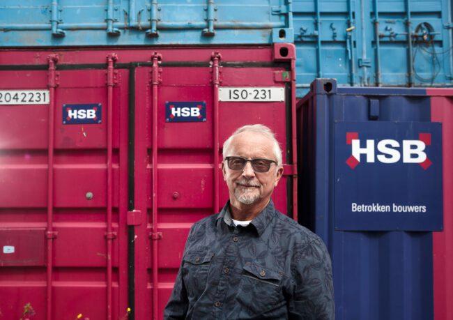 Kwaliteitscontroleur John Krüse hangt voegspijker na vijftig jaar aan de wilgen